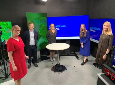 Hiilineutraali Talk Show. Vas. Riitta Larnimaa, Matti Niemi, Laura Hildén, Elia Gebhard, Pinja Perholehto